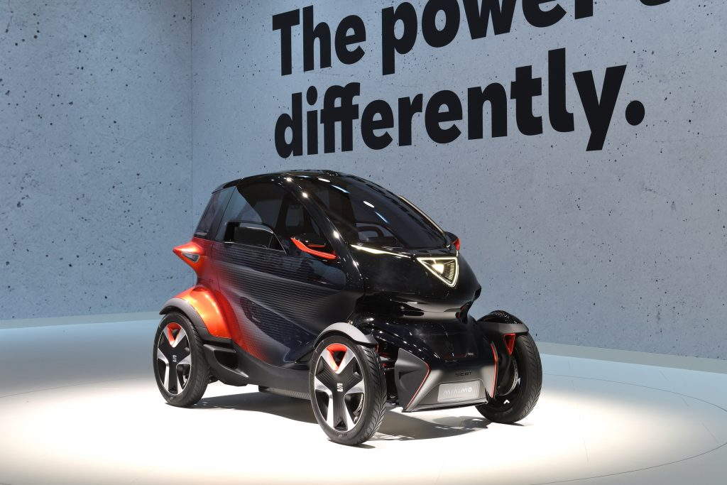 SEAT-rolls-out-its-electric-offensive-in